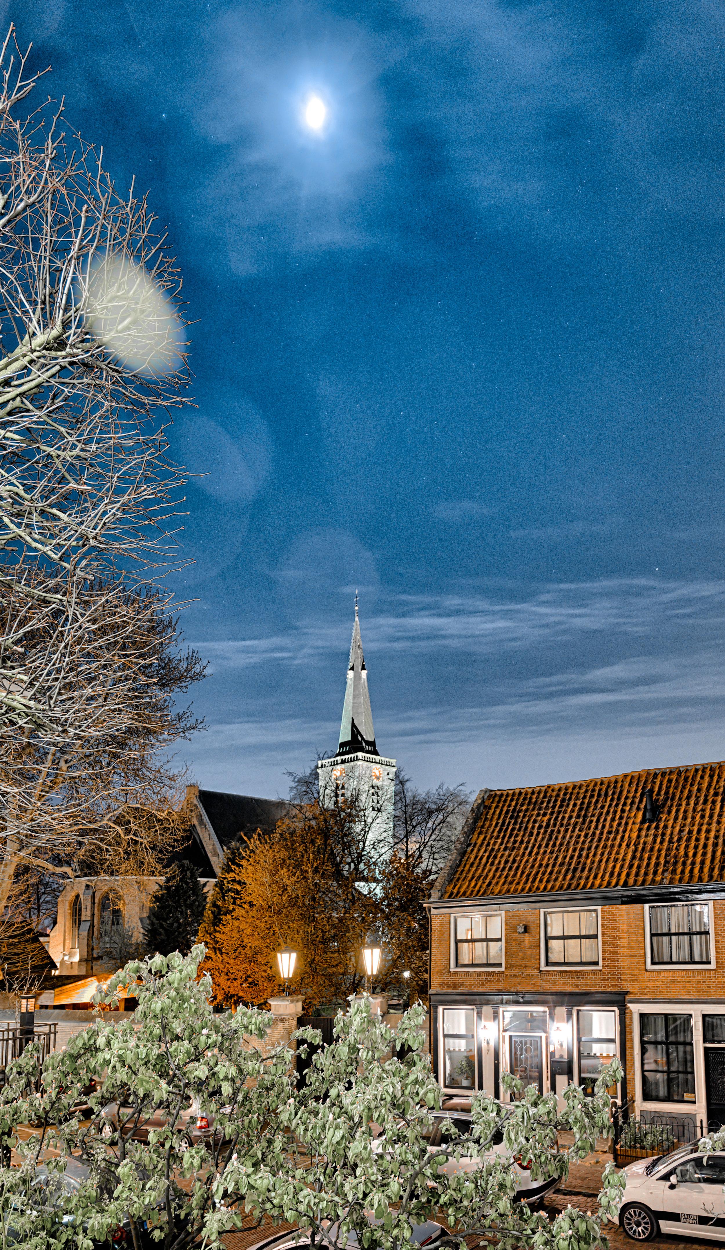 Singelkerk vanaf de Ringdijk, Ridderkerk Centrum  f/4, 1.60 seconden, ISO 800