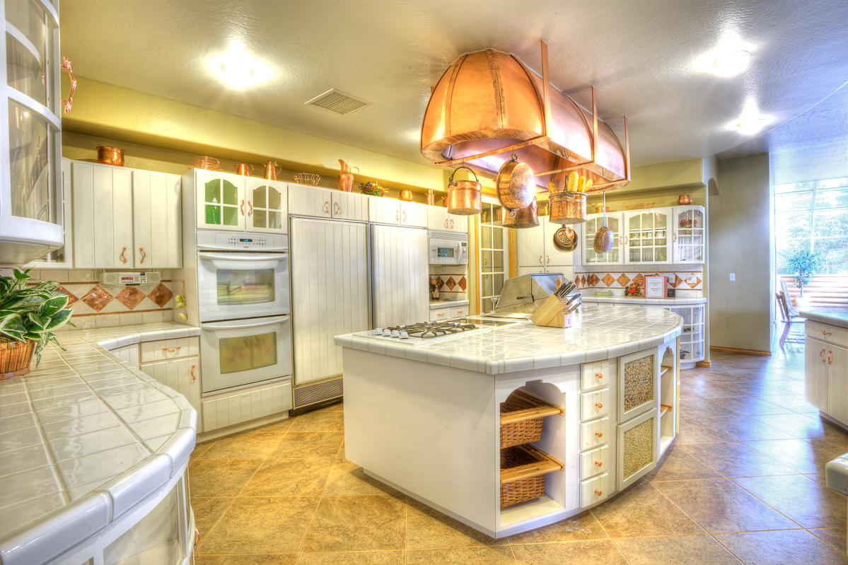 Stonehaven_HDR_Kitchen2_0021.jpg