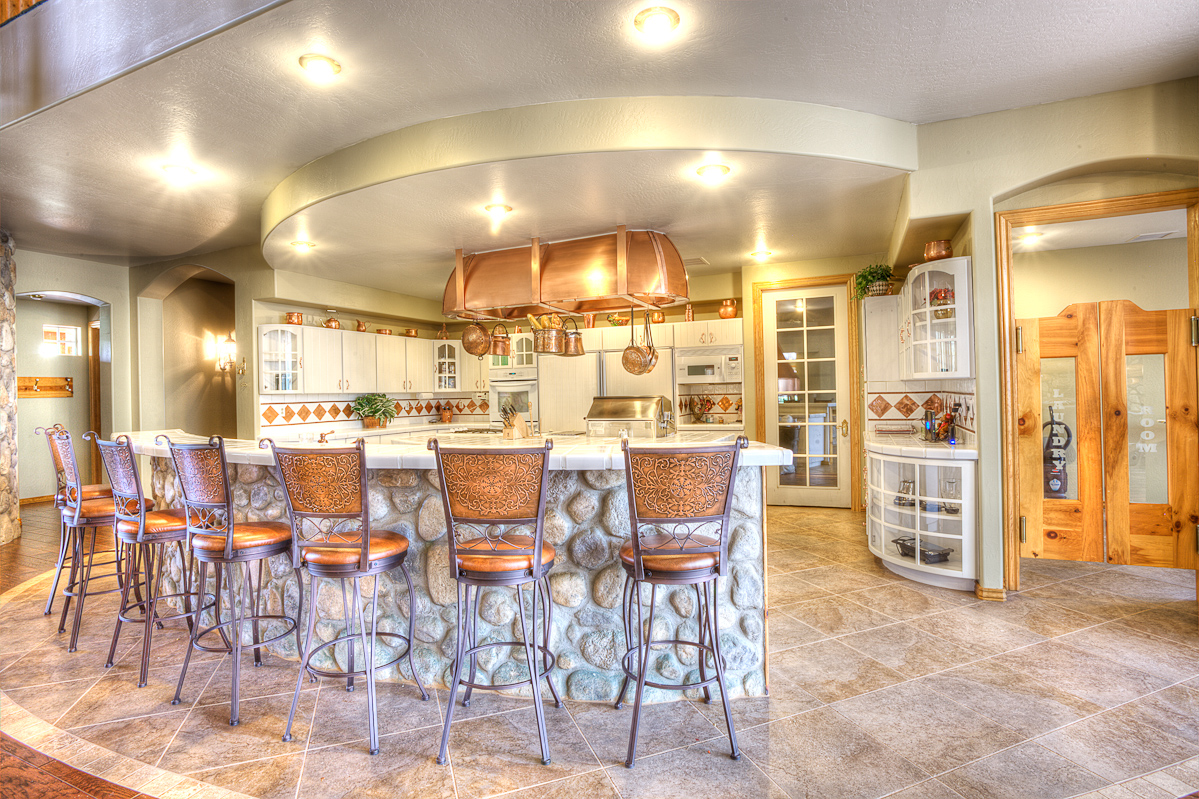 Stonehaven_HDR_Kitchen1_0018.jpg