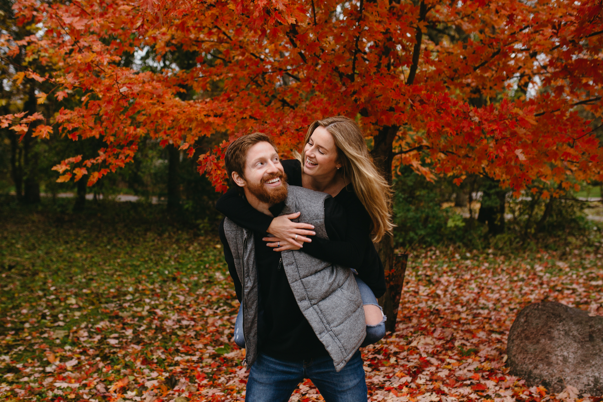rowan+birch-engagement-chicago-fall-17.jpg
