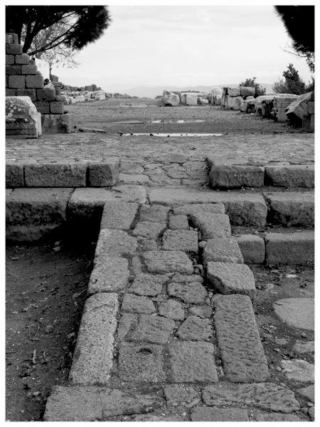 Walkway - Kingdom of Pergamon.jpg