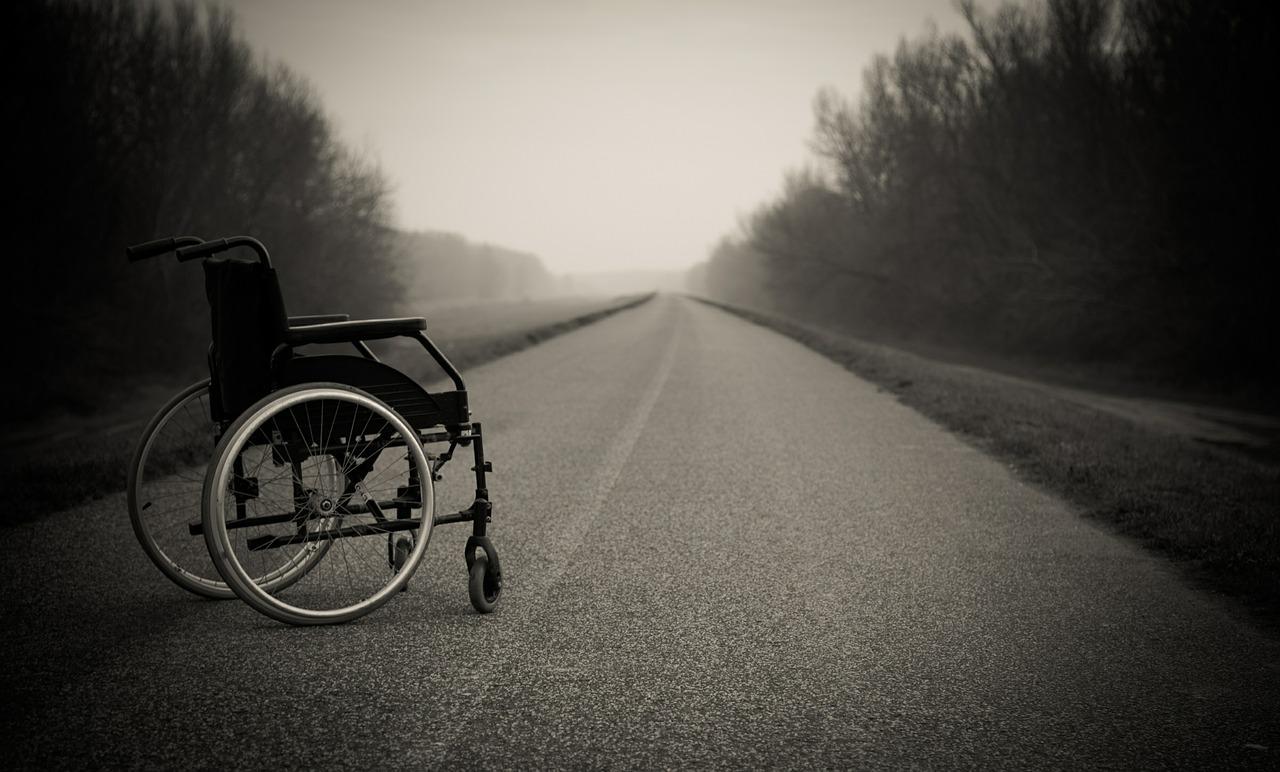 wheelchair-567810_1280.jpg