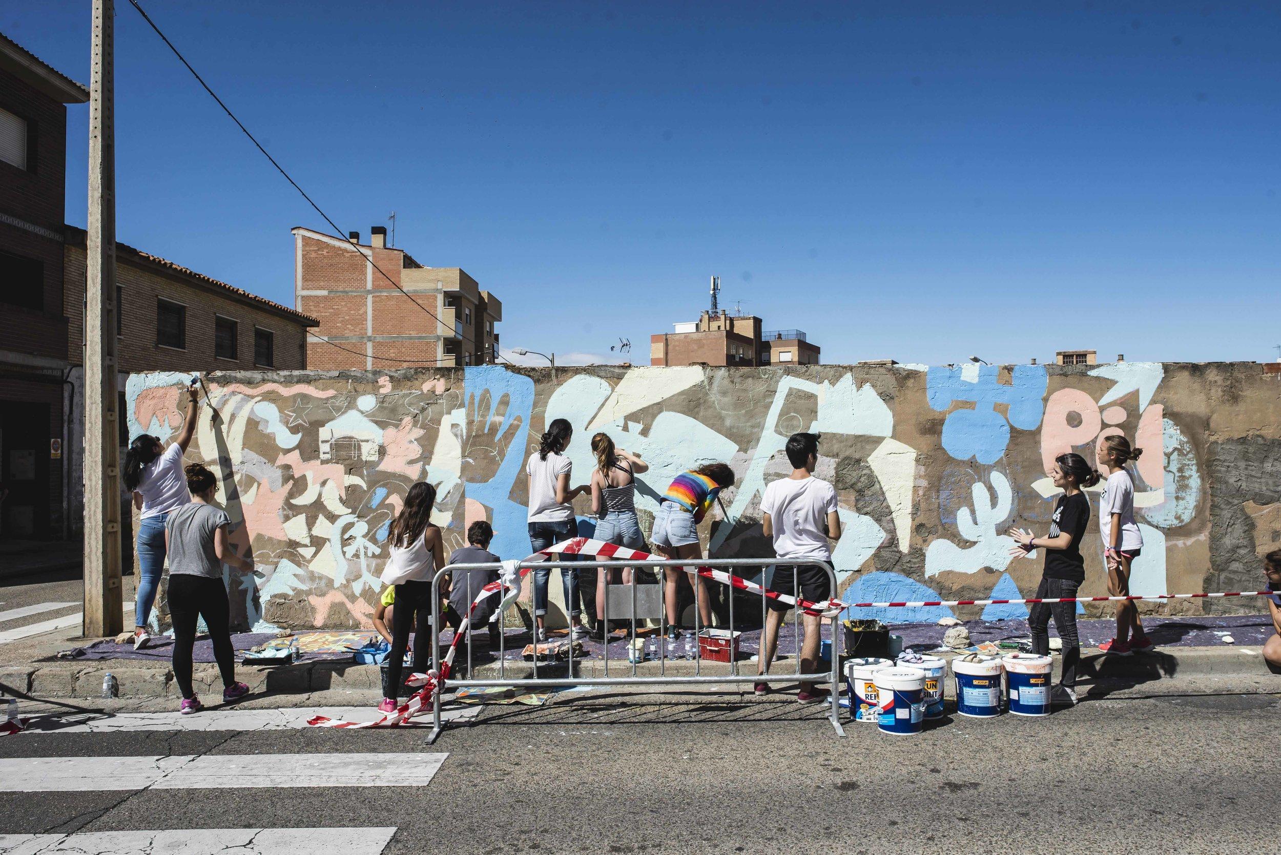 Taller/mural de Cuco y los vecinos de Valdefierro, Zaragoza, 2017.