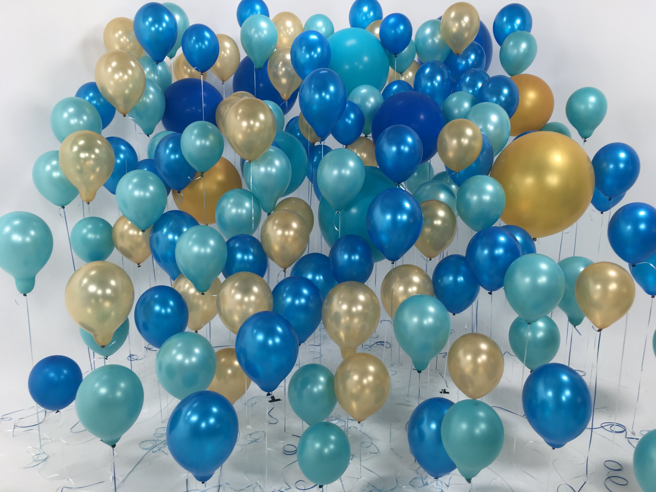 Only one set up of many, full balloon set up