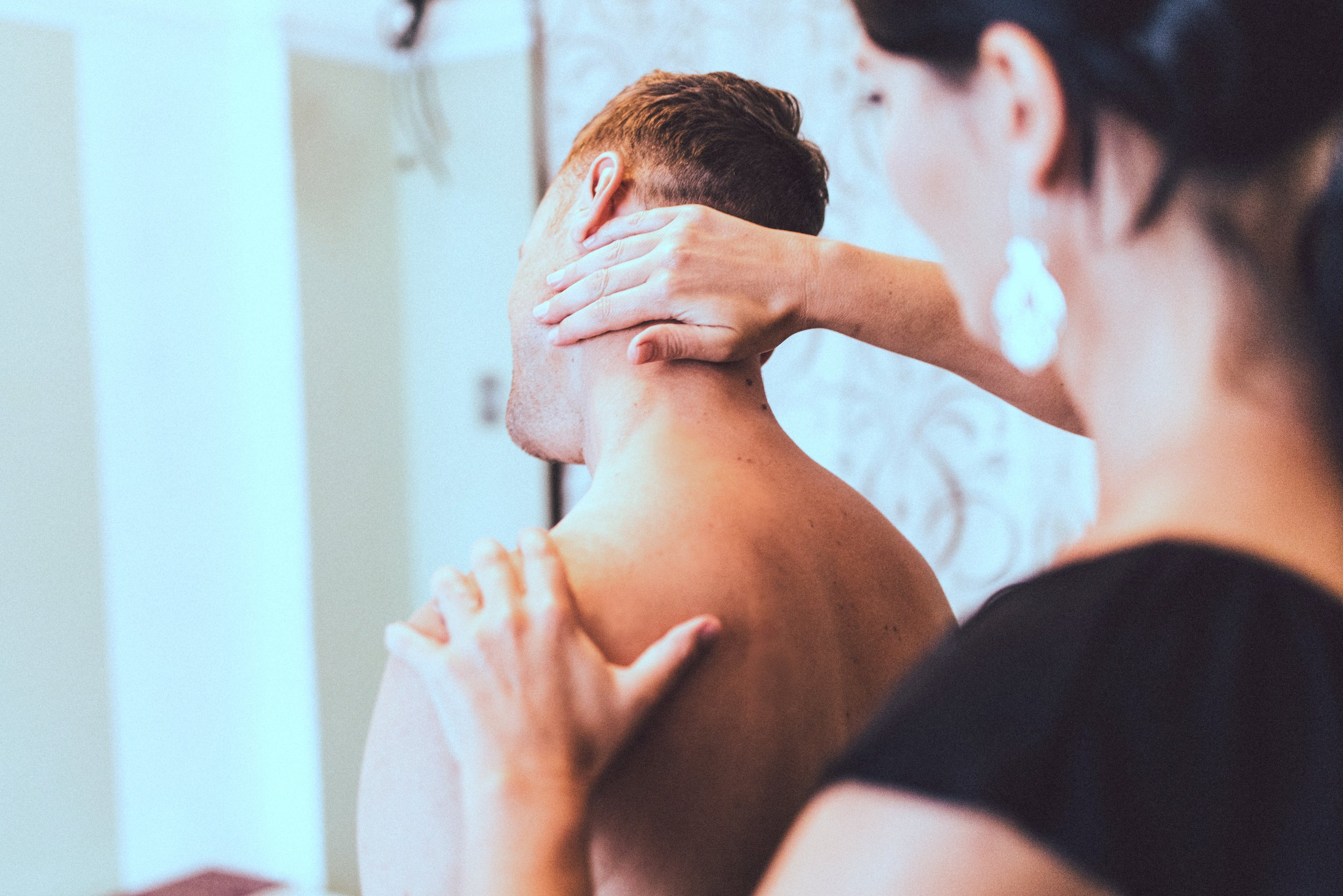 neck pain analysis from a chiropractor