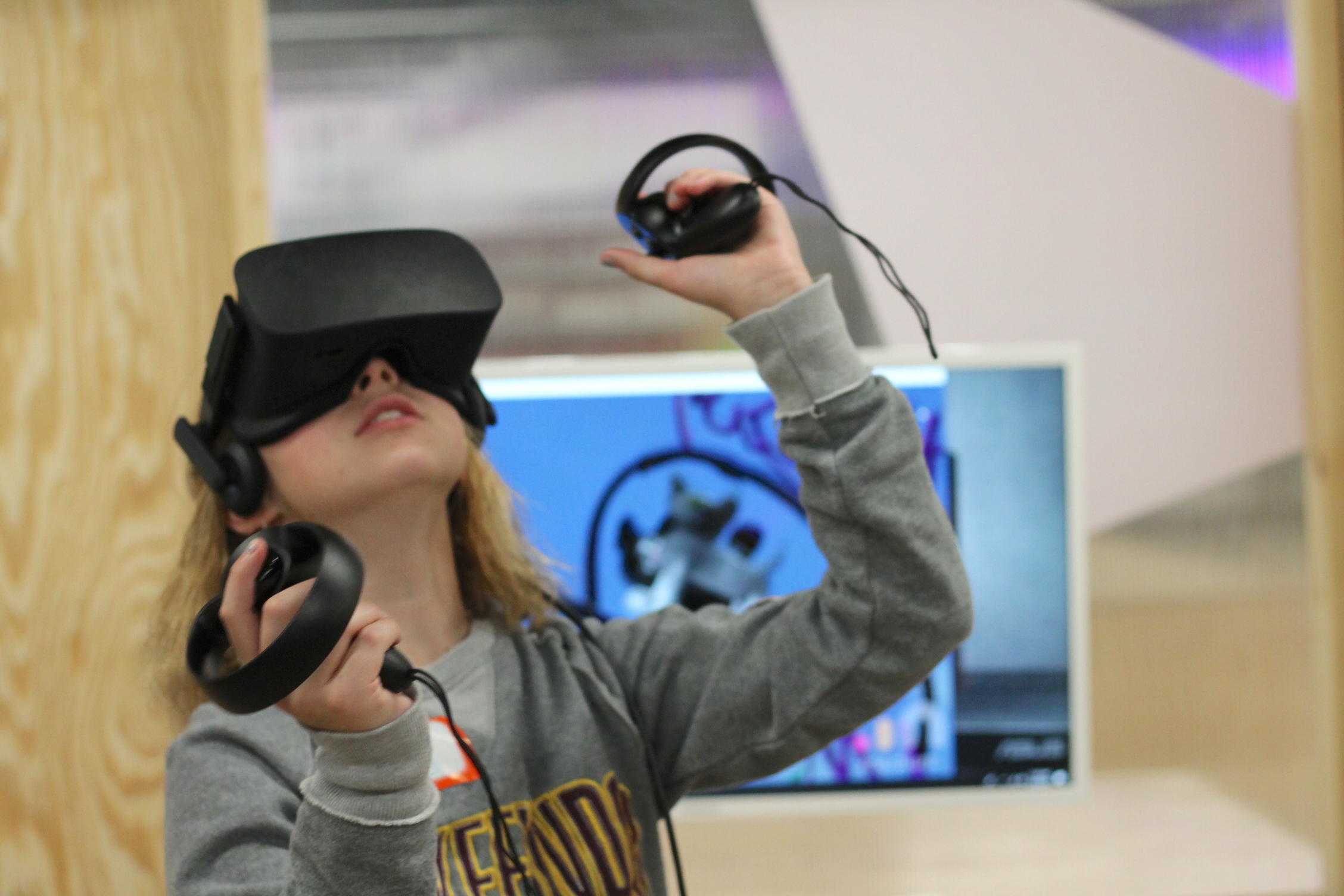 Traveling Lab - VR girl looking up (little blurry).JPG