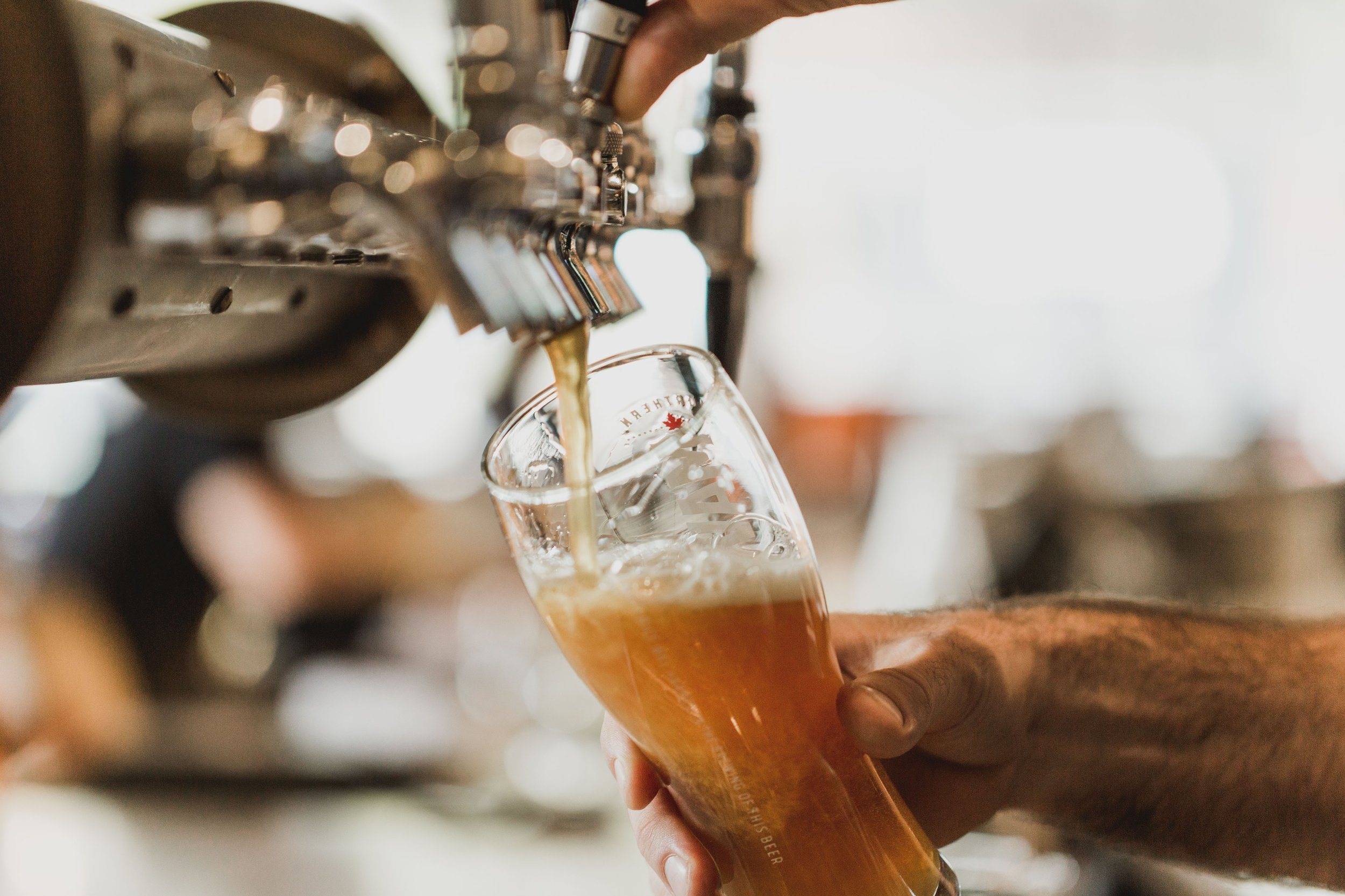 pouring-pint-of-beer_4460x4460.jpg