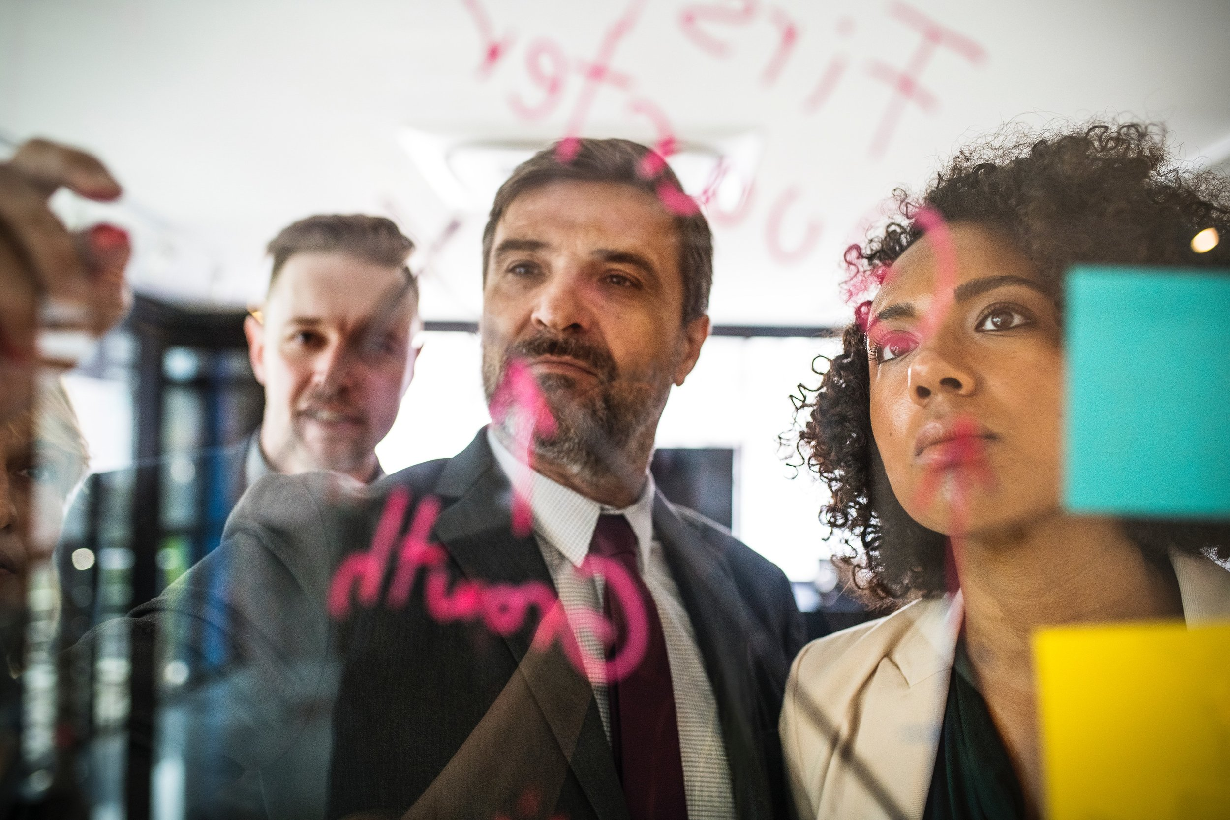 board-boss-brainstorming-1126288.jpg