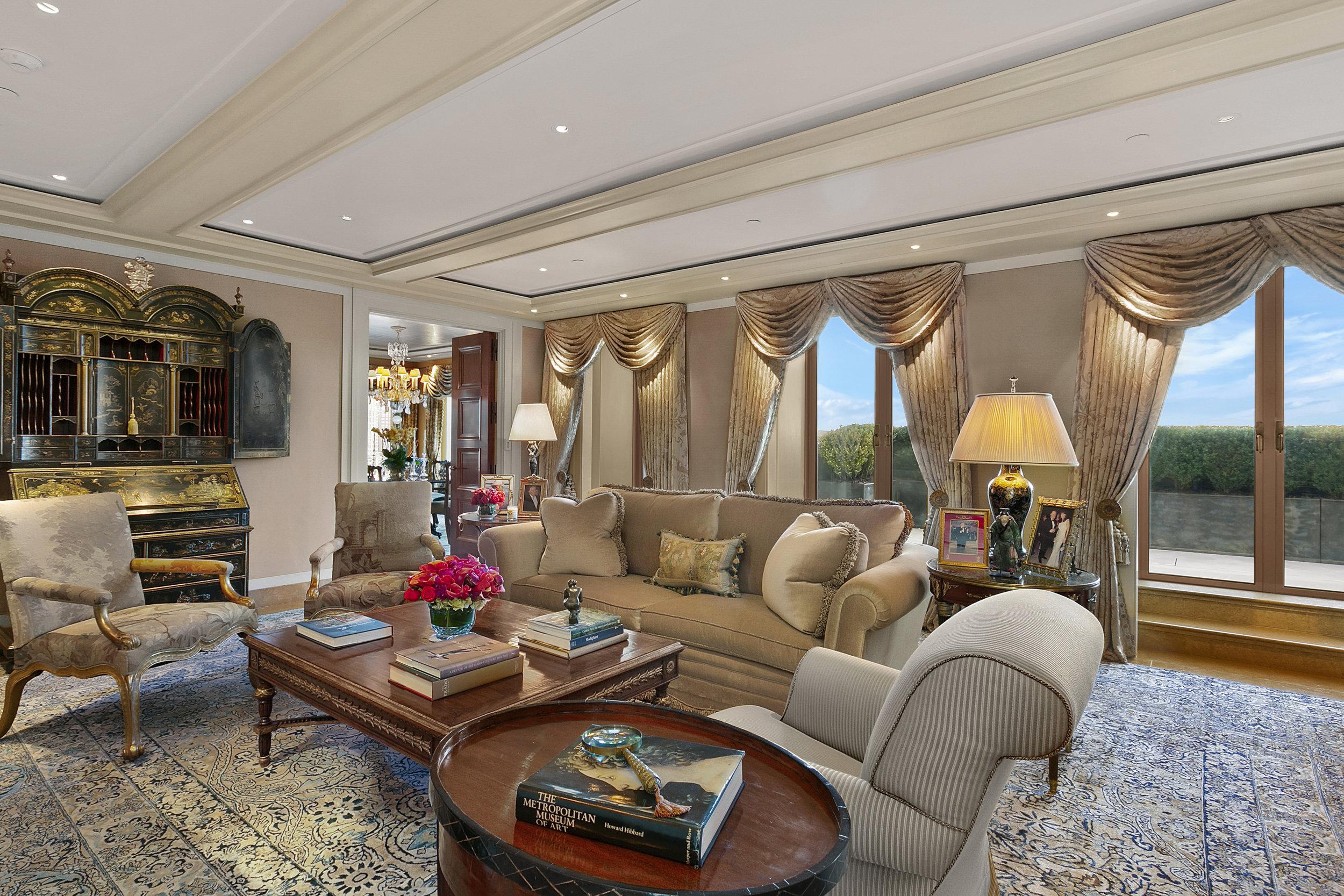 2.Living_Room.jpg