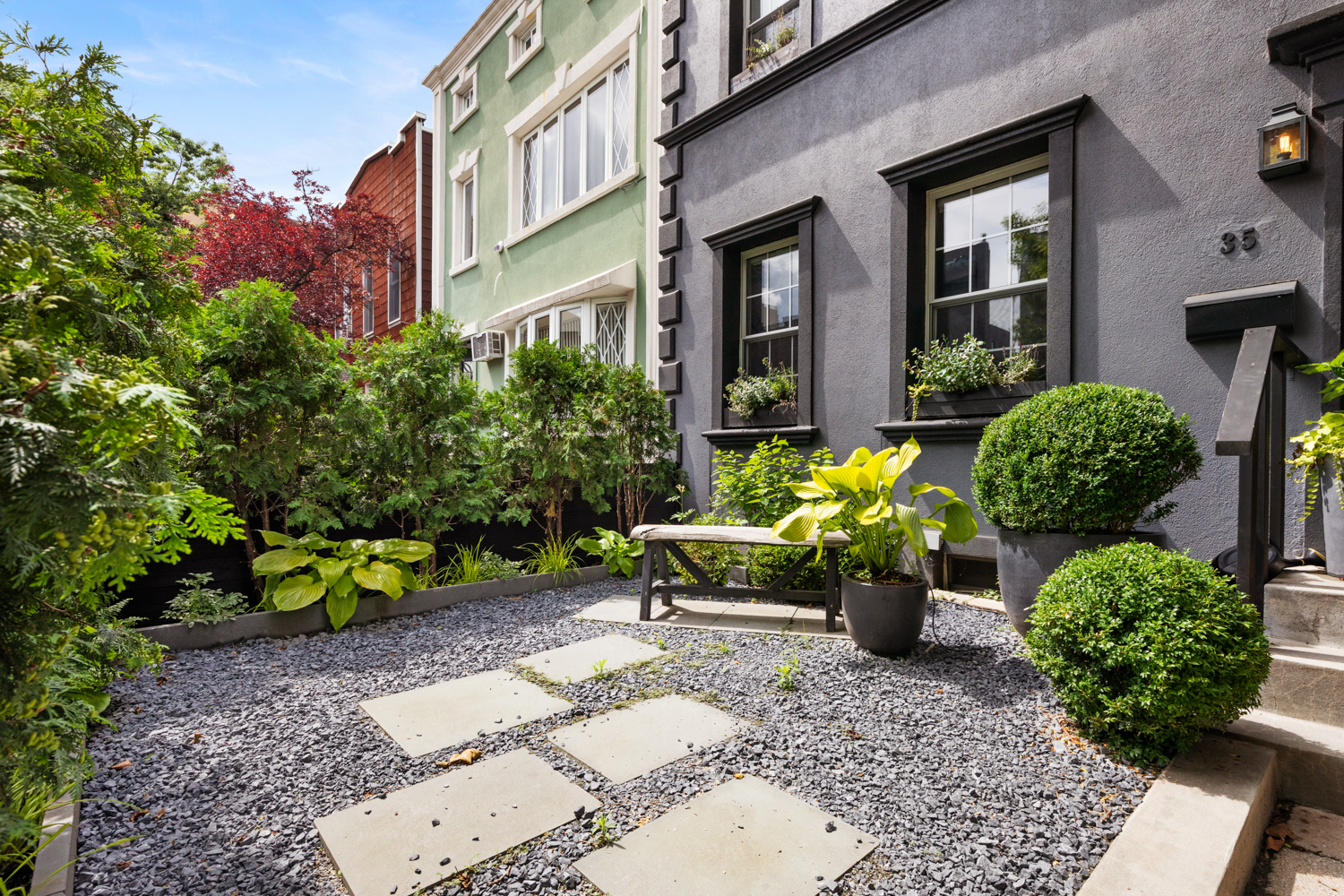 35DevoeStreet-EastWilliamsburgNewYork_Daniel_Fried_DouglasElliman_Photography_80616530_high_res.jpg
