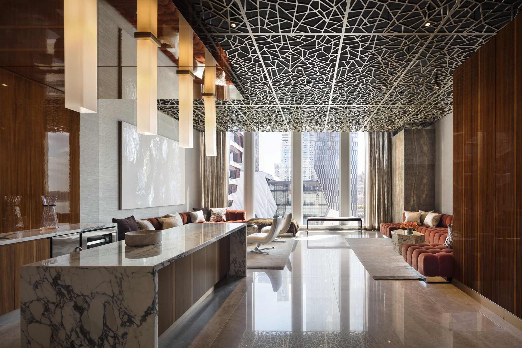 35 Hudson Yards_Amenities_Lounge 1_Photo Courtesy of Related Companies by Scott Frances.jpg