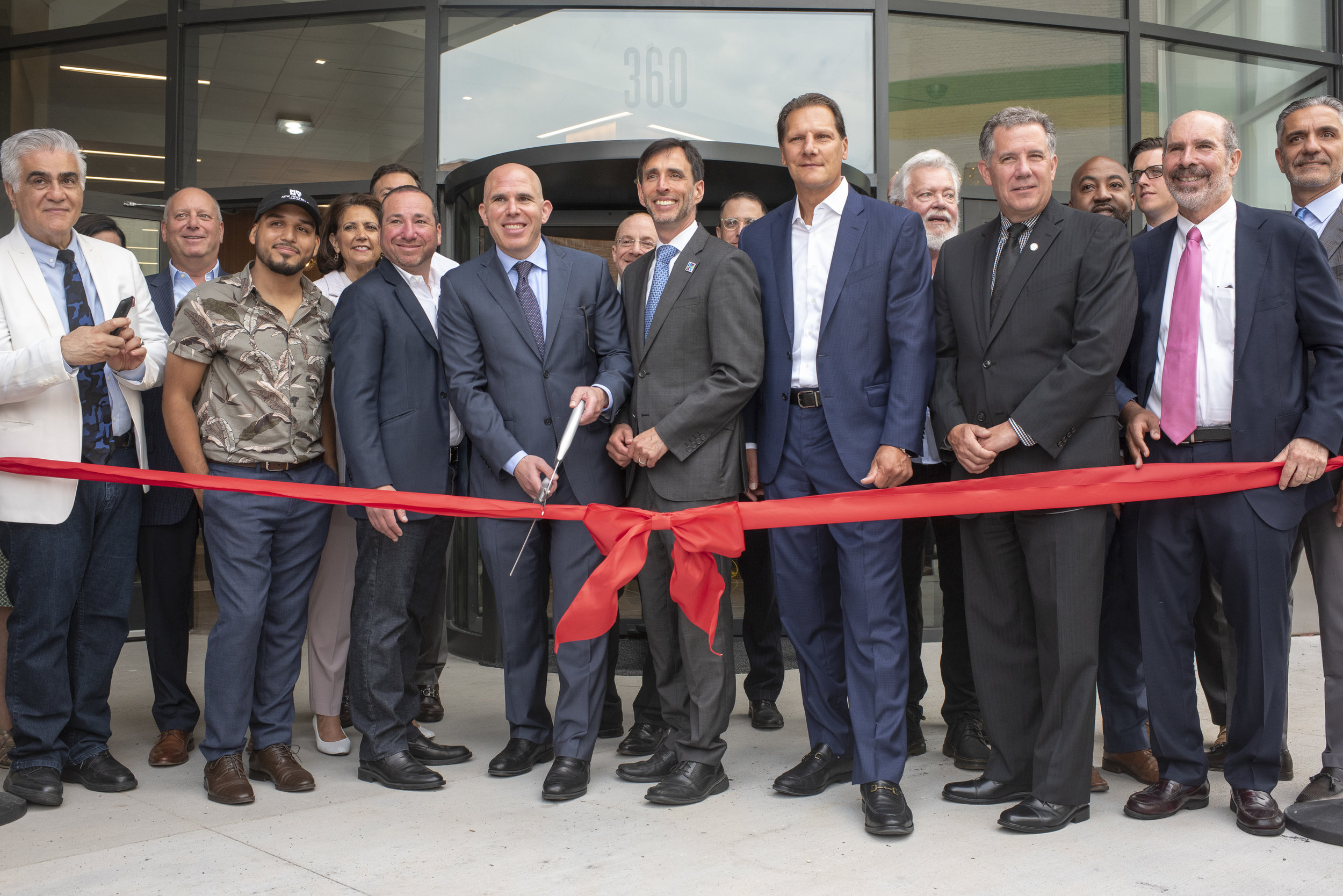 Scott Rechler, Mayor Bramson and Michael Maturo joined by VAEA, Daniel Martinez, City and RXR officials to cut ribbon.jpg