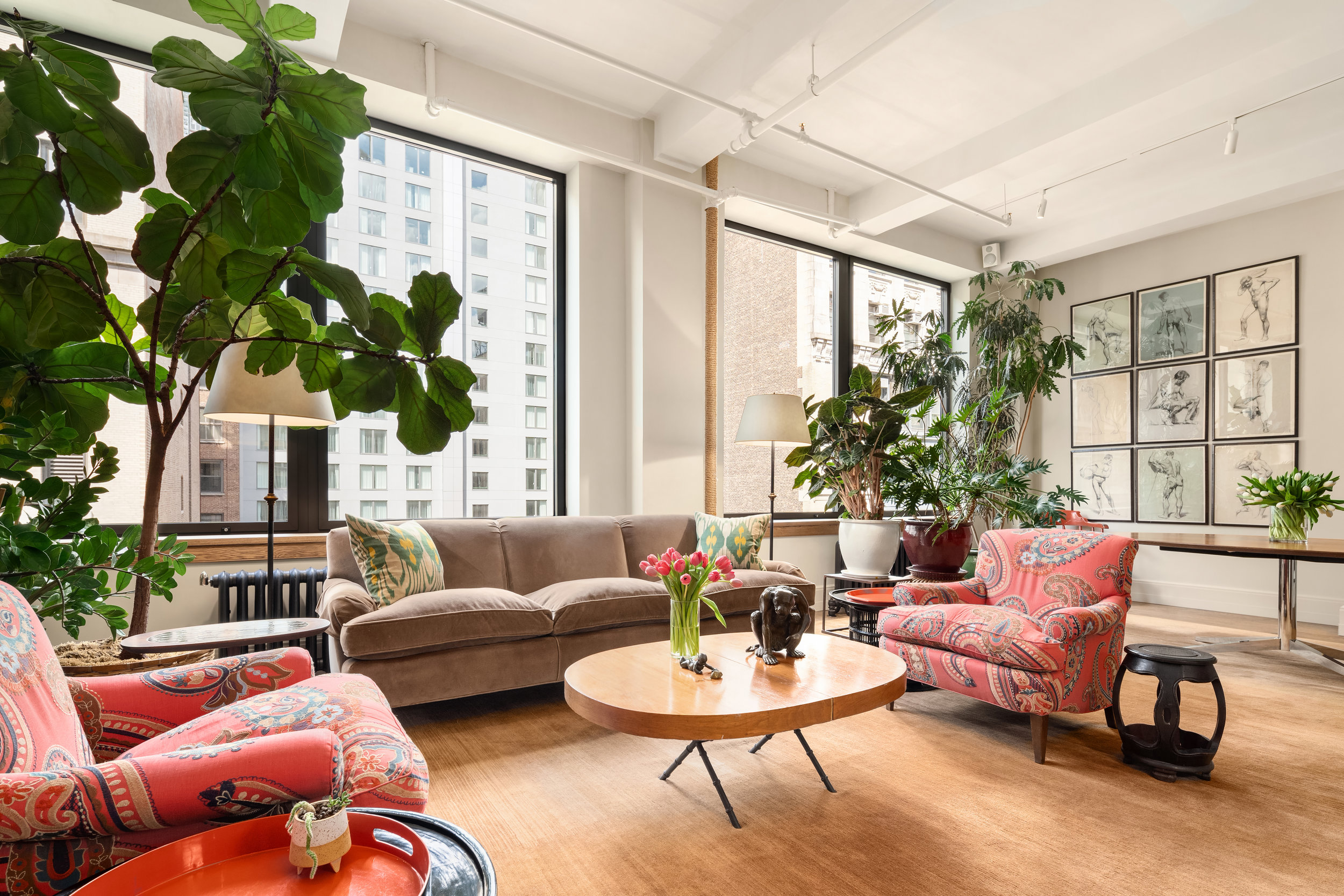 142West26thStreet9-ChelseaNewYork_Holly_Parker_DouglasElliman_Photography_79379265_high_res.jpg