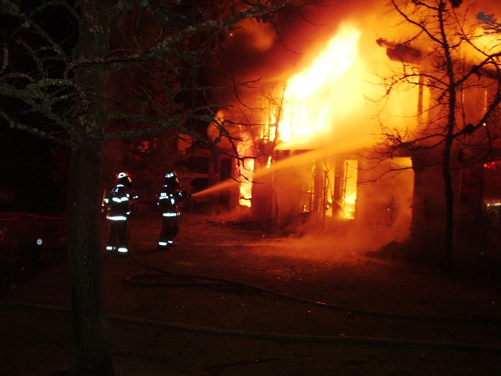 Stucture fire 012.jpg