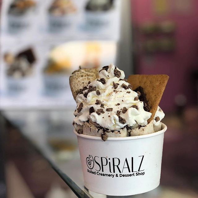 The S'mores the merrier 🍨 .⠀ 📷: @identitytb⠀ 📍: @spiralzcreamery