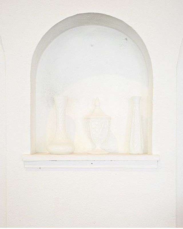 These little arches are one of our favorite features of the Studio. Perfect for holding accent pieces like our lovely milk glass. #ArdorVenue #GatherAtArdor