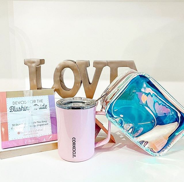 With our Level Cosmetic Clutch in your life you'll be feeling all the love 💕 📷: @deb_boutique