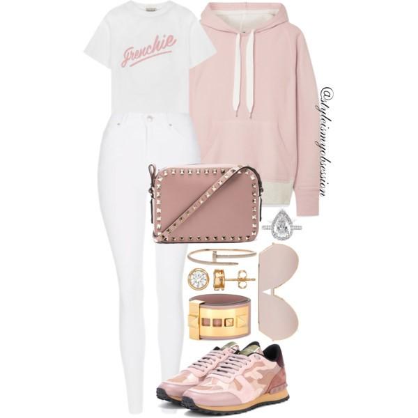 Style Inspiration Pinky Promise Rag & Bone Colorblock Sweatshirt Etre Cecile T-Shirt Valentino Rockstud Sneakers Valentino Rockstud Crossbody Bag.jpg