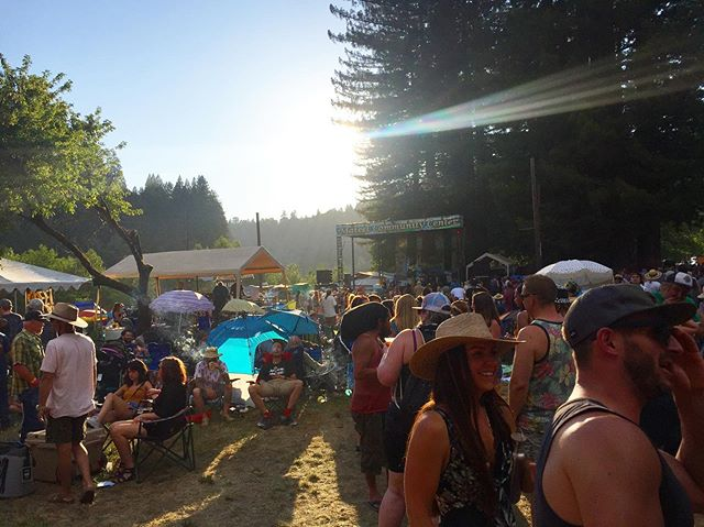 Benbow Summer Arts Fest vibes ☀️ captured by @risa.sonrisa . . . #benbowartsandmusicfestival #mateel #summertime #humboldt #festivalvibes #communityfirst #bettertogether #motherearthengineering