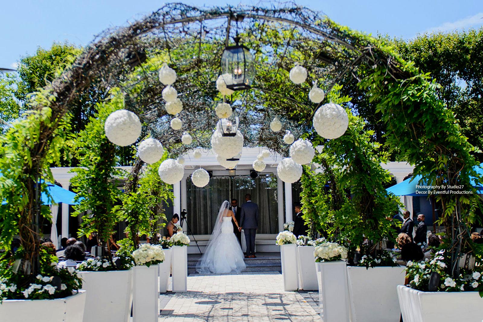 weddings outside.jpg