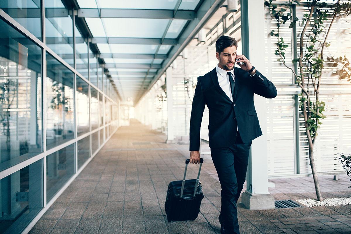 Man_suitcase.jpg