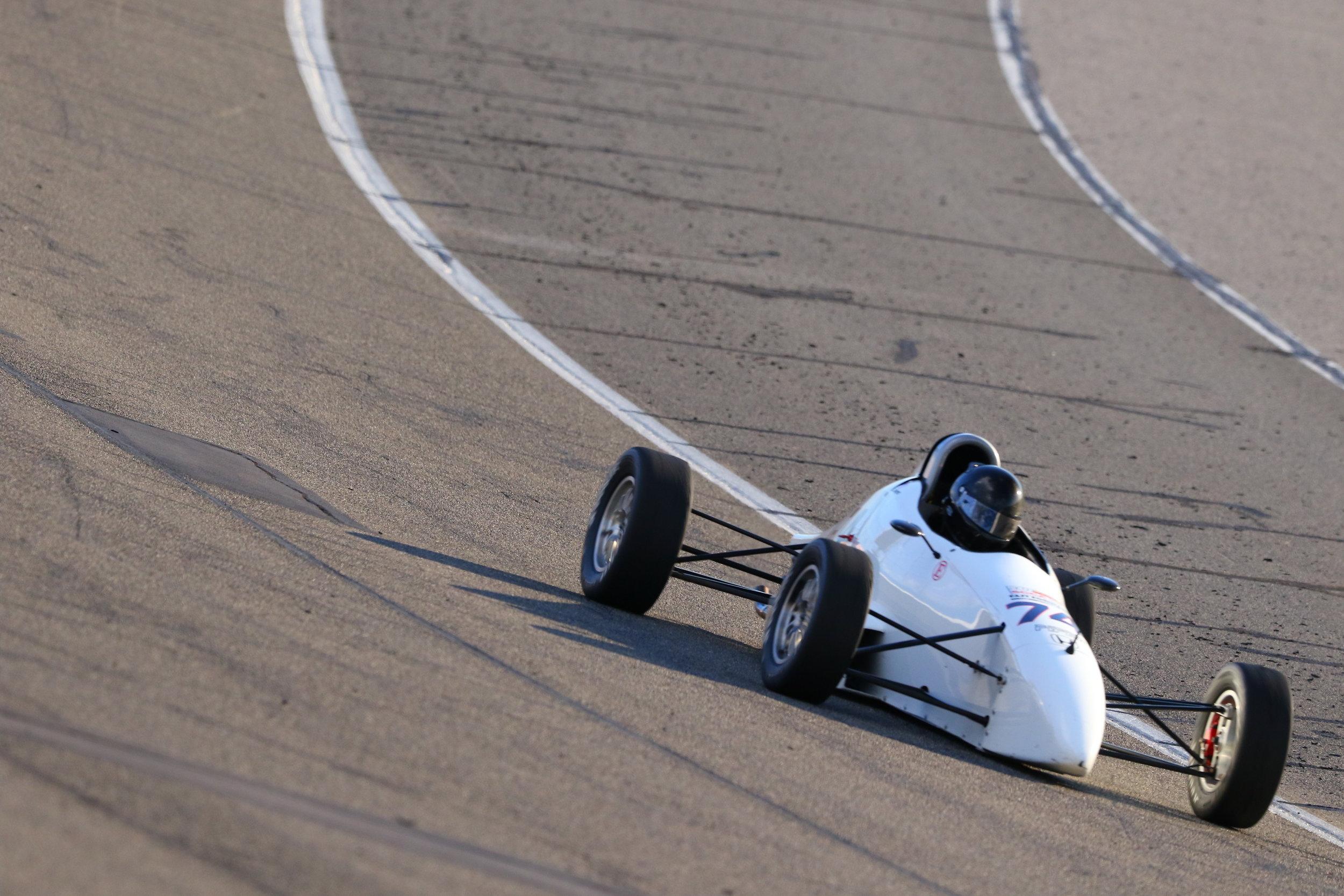 Jan-14-2017-SCCA Majors - Group 6 - Race (Turn 2) - AC2_1874_Jan1417_CaliPhoto.jpg