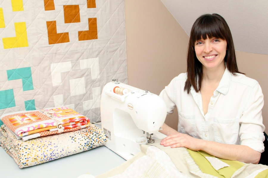Shown with  Haver Square  quilt