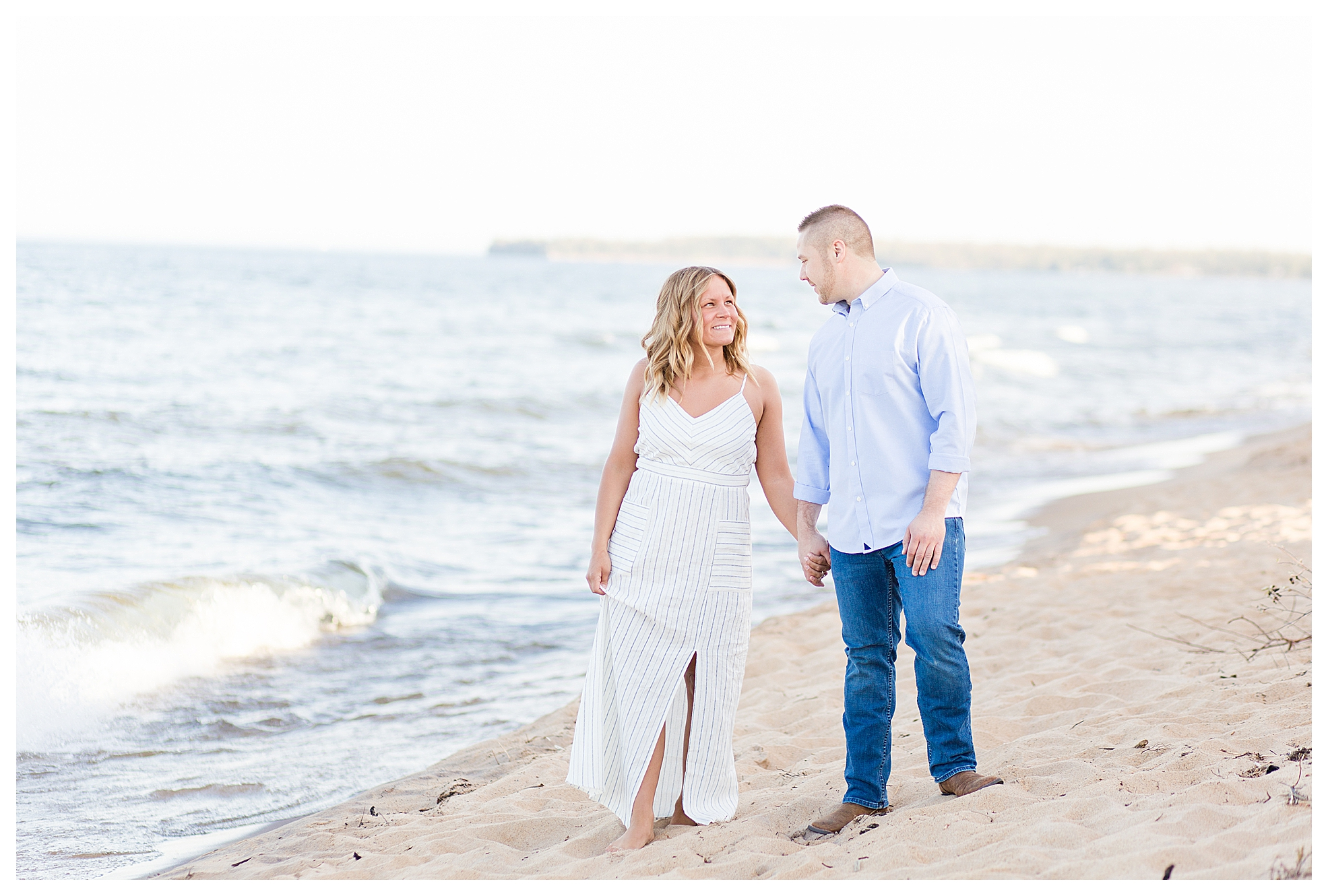 Houghton County MI Engagement Photographer_0016.jpg