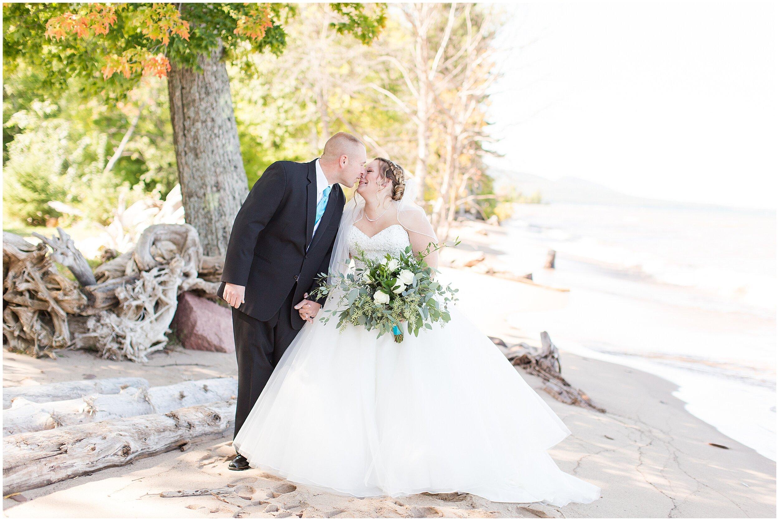 Ontonagon MI Wedding_0023.jpg