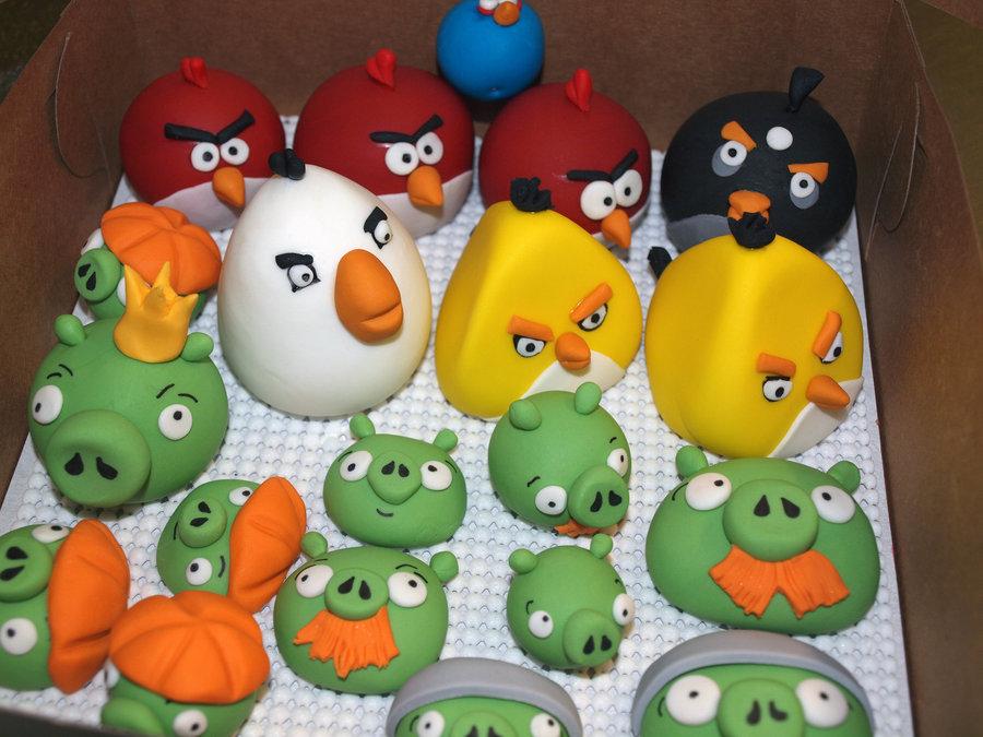 angry_birds_fondant_figures_by_atrotter719-d3i3j1e.jpg