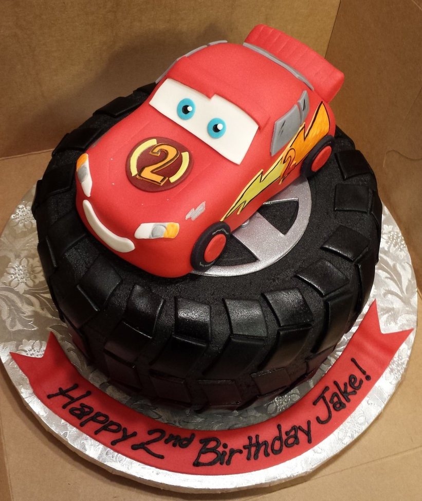 cars_character_cake_by_atrotter719-d81rftk.jpg