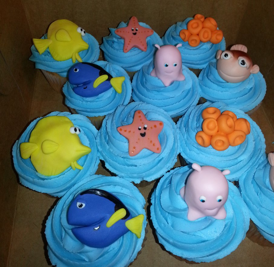 character_cupcakes_by_atrotter719-d6qeboy.jpg