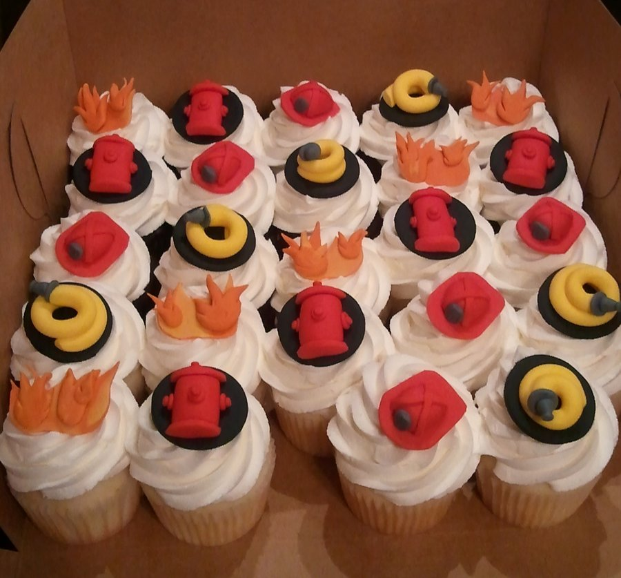firefighter_cupcakes_by_atrotter719-d5p7pay.jpg