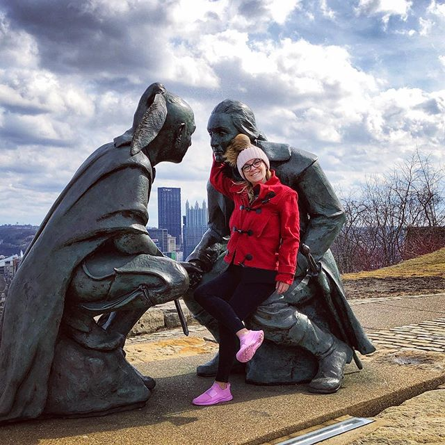 Pittsburgh Pro Tip: do not use Waze! Use Apple or Google maps with the lane indicators or you'll drive in circle after circle after circle like us. 📍George Washington & Guyasuta, Seneca leader bronze sculpture | Mt. Washington, Pittsburgh, Pennsylvania    Had to choose @dancinggnome over riding the historic Duquesne Incline funicular but still drove to the top for fantastic views of Pittsburgh and her amazing bridges! . . . #pittsburgh #mountwashington #funicular #duquesneincline #lovepgh #visitPA #pittsburgh #412project #cityofbridges #dcblogger #dctravelblogger #agameof5k #urbanphotography #womenintech #katefromoz #pghcreative #pittsburghpa #steelcitygrammers #igerspgh #downtownpittsburgh #dametraveler #citywithaview #360views #scenicpa #whereswaldo #adventuresfromDC #weekendgetaway #roadtrip #doublepom #pompomhat