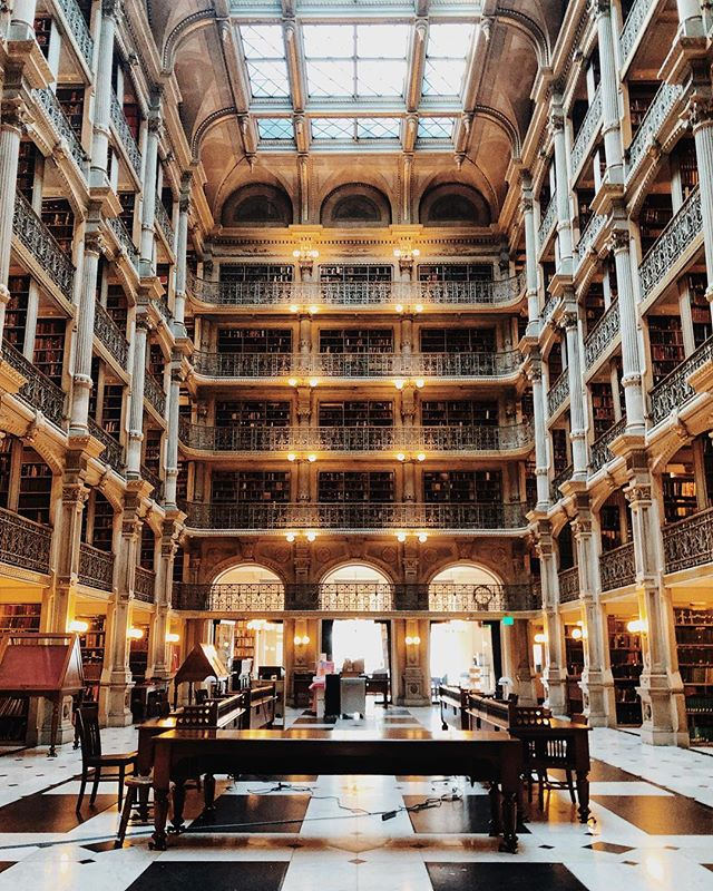 """IG vs IRL 📍George Peabody Library 