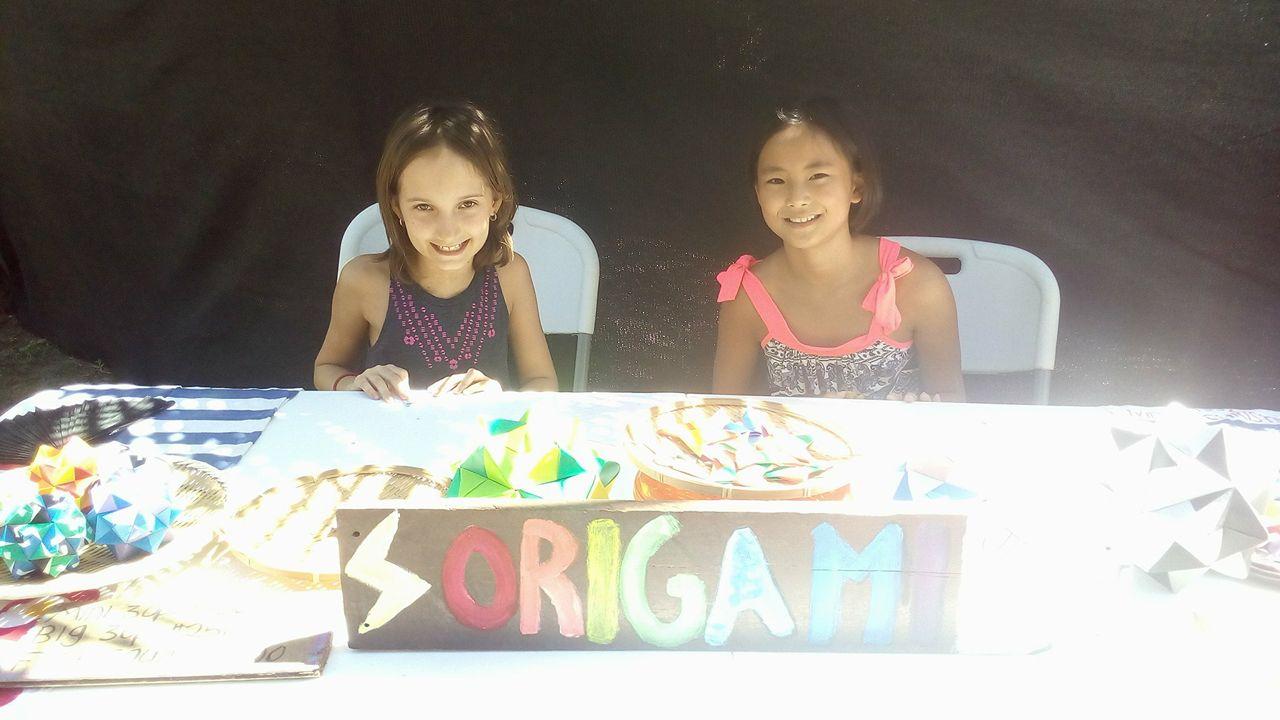 娘の折り紙コレクションも大人気!街のアートフェアでうけてます。