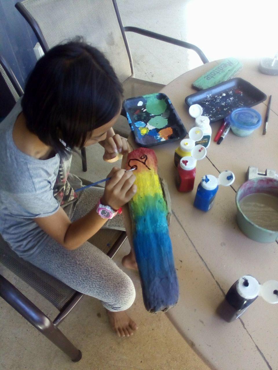 娘はアートが大好き!そこらへんのいろいろな素材で、素敵なものをたくさん創り上げています。