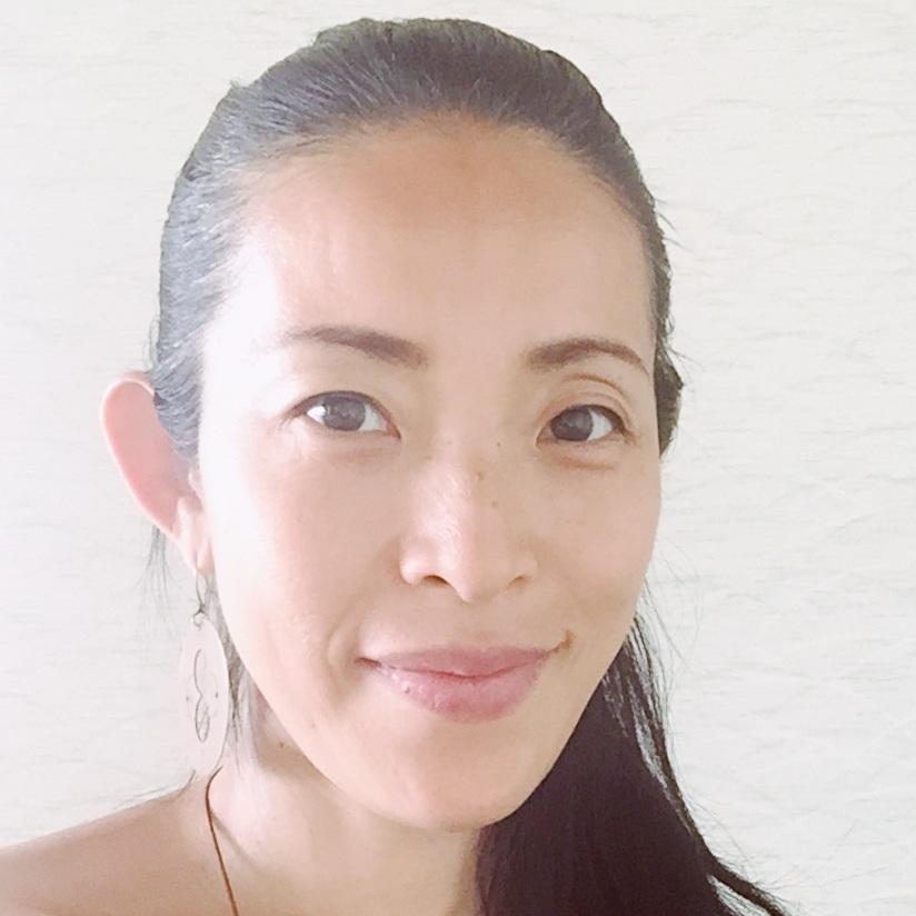 大坪志保子   Shihoko Otsubo     リラックスするヨガ(インヨガ・リストラティブ)