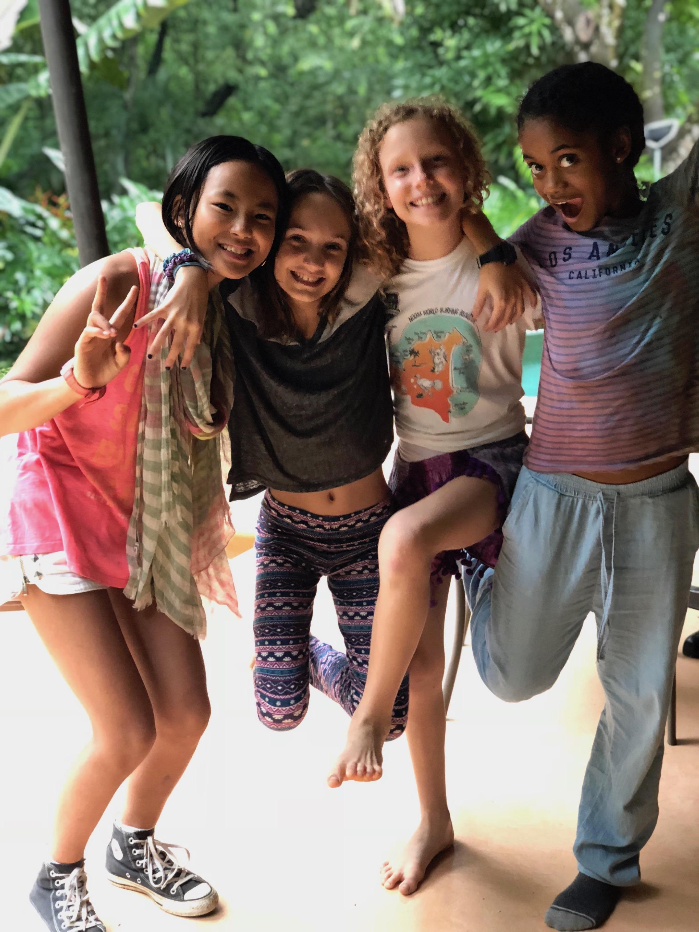 娘は世界中から集まった子どもたちと仲良くなり、英語とスペイン語が堪能になり、のびのび豊かに成長した。かけがえのない幼少期!