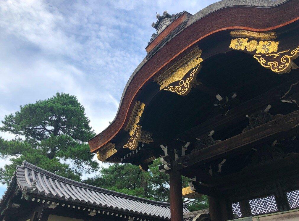 家のほど近くには、京都御所。朝の散歩/ジョギングしているだけで、タイムトリップしているよう。この環境は、本当に京都ならでは。ありがたい限りです。
