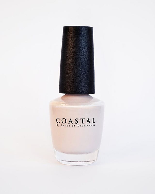 Coastal nail polish colour Bells Beach // Cruelty free ✖️ Non toxic ✖️Ecological // Available for purchase & wholesale! Website link in bio 💅🏻 #coastalbyhouseofgruzlewski #waterbased #peeloff #nailpaint #ecoproducts #australia