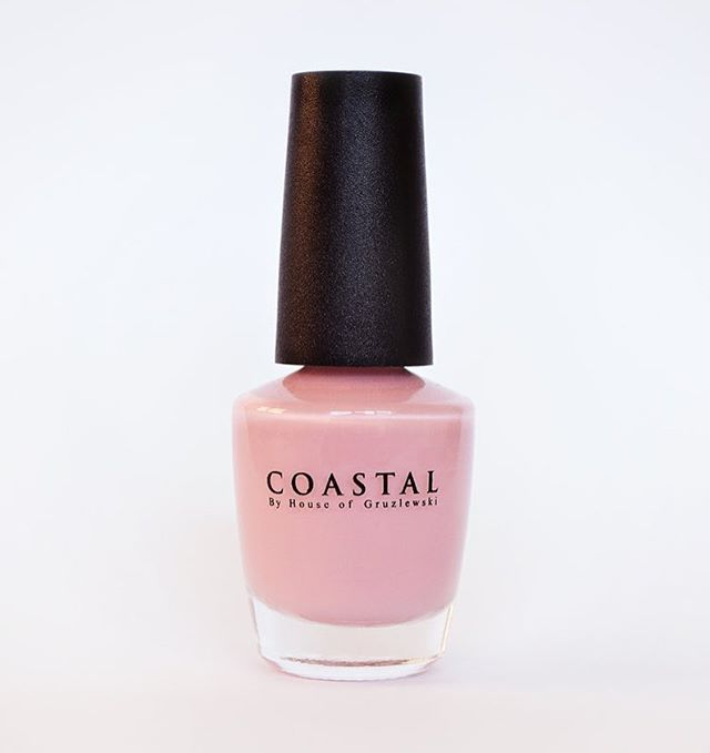 Coastal nail polish colour Airlie Beach // Peel off ✖️ non toxic ✖️cruelty free // Available via link in bio! 💕 #coastalbyhouseofgruzlewski #airliebeach #coastalbeaches #australia