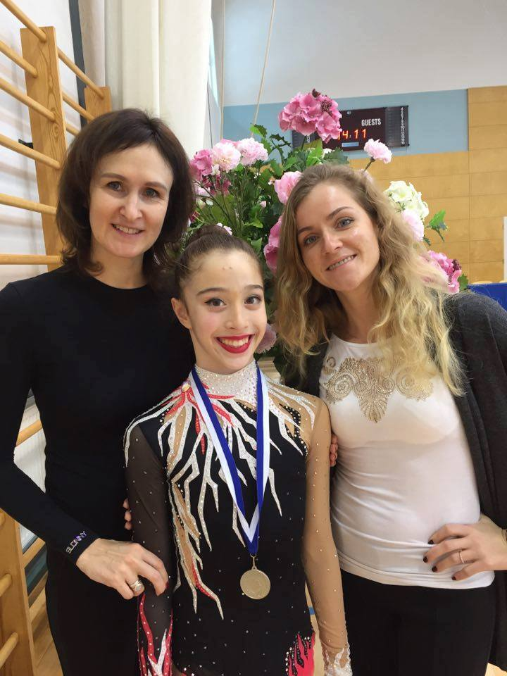 Sianna with coaches in Otepää 2017!