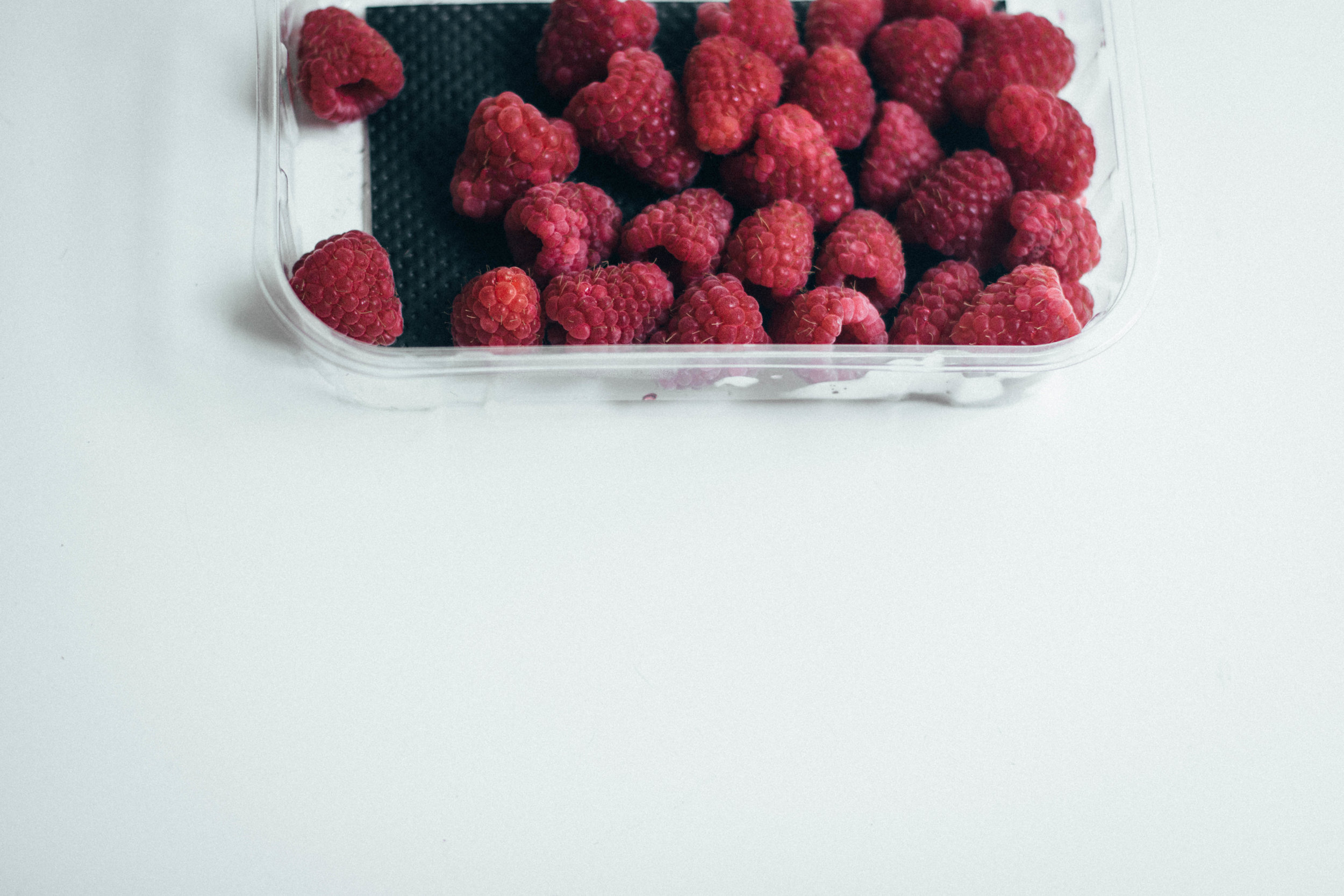summer berry cake 1-1.jpg