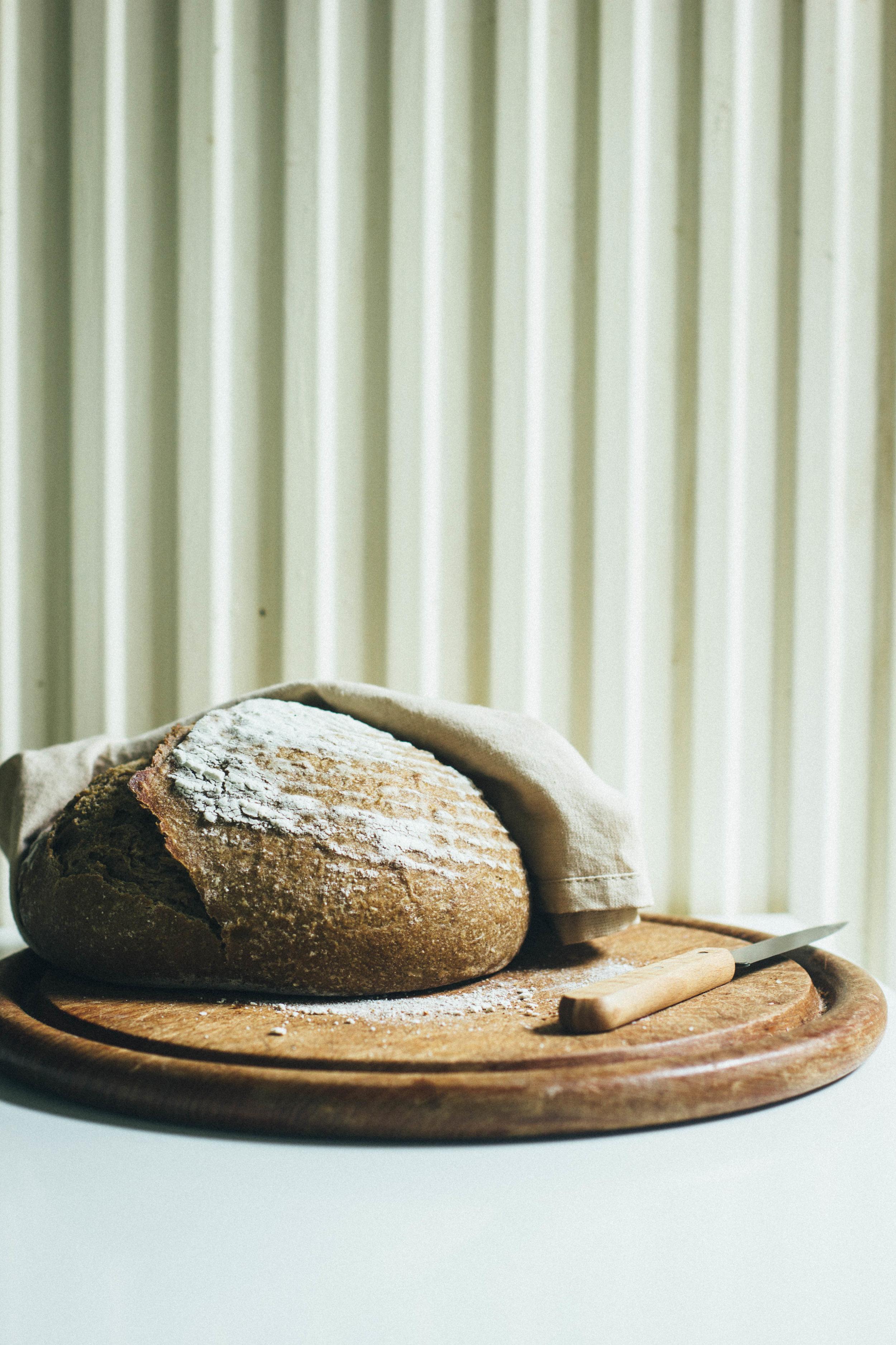 spelt walnut bread 18-1.jpg