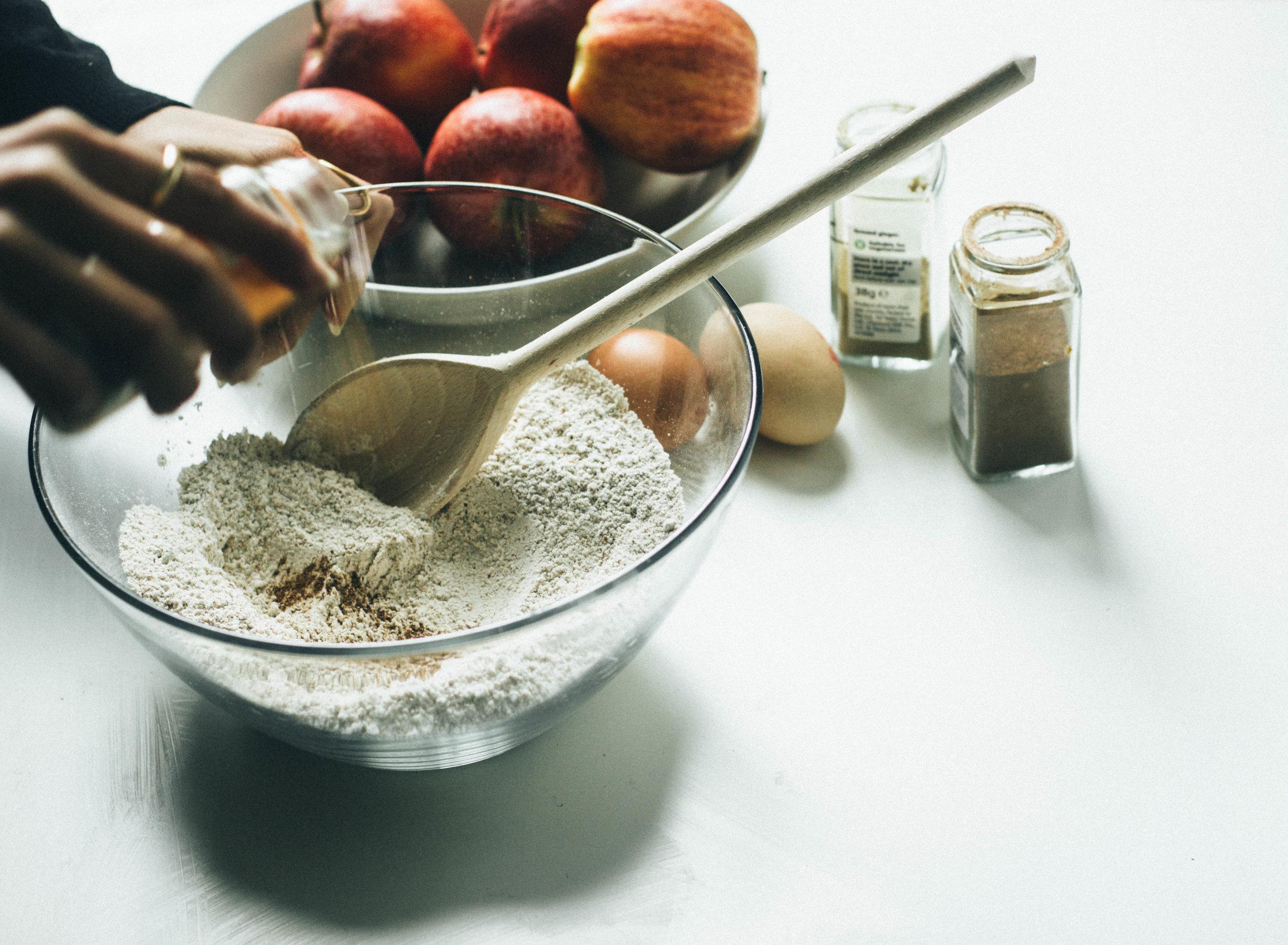 apple molasses loaf 6-1.jpg