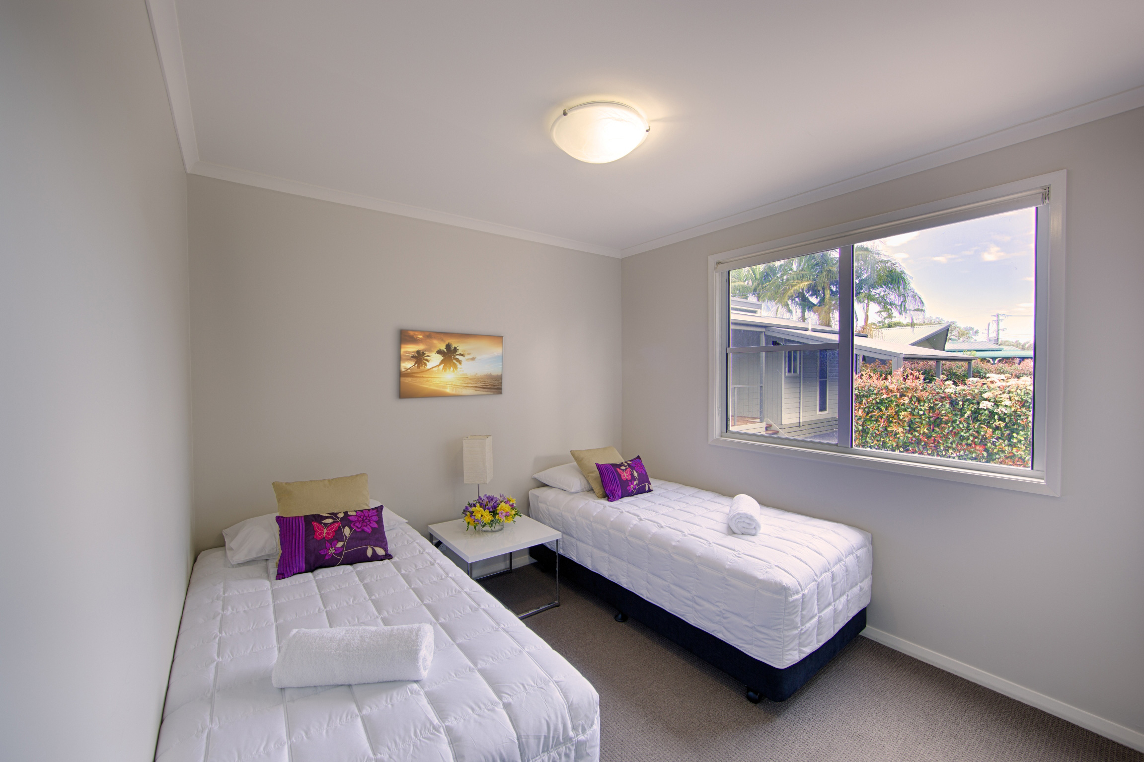 Apartment-Pic-5---2nd-bedroom-with-window.jpg