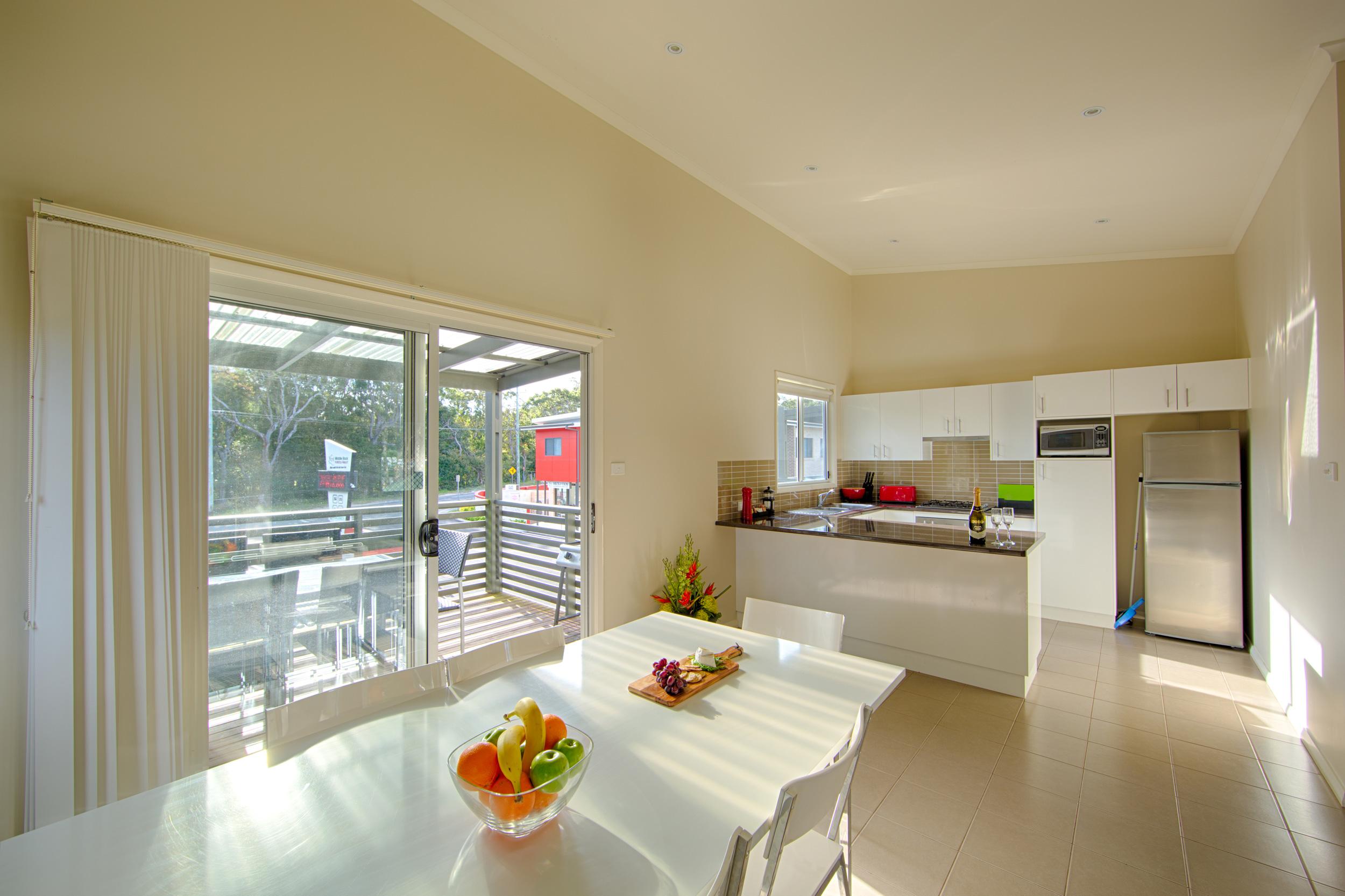 Apartment-Pic-1-kitchen-dining-verandah.jpg