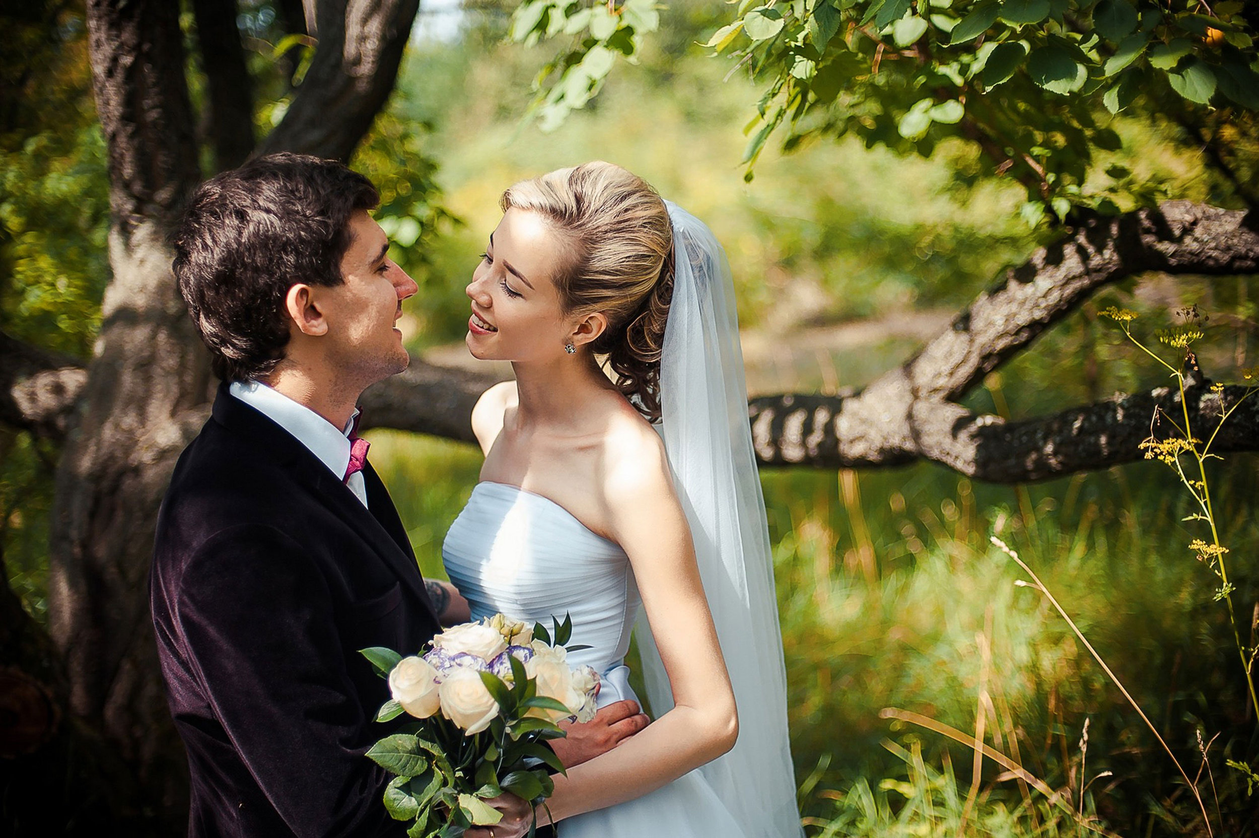 wedding_couple_bush.jpg