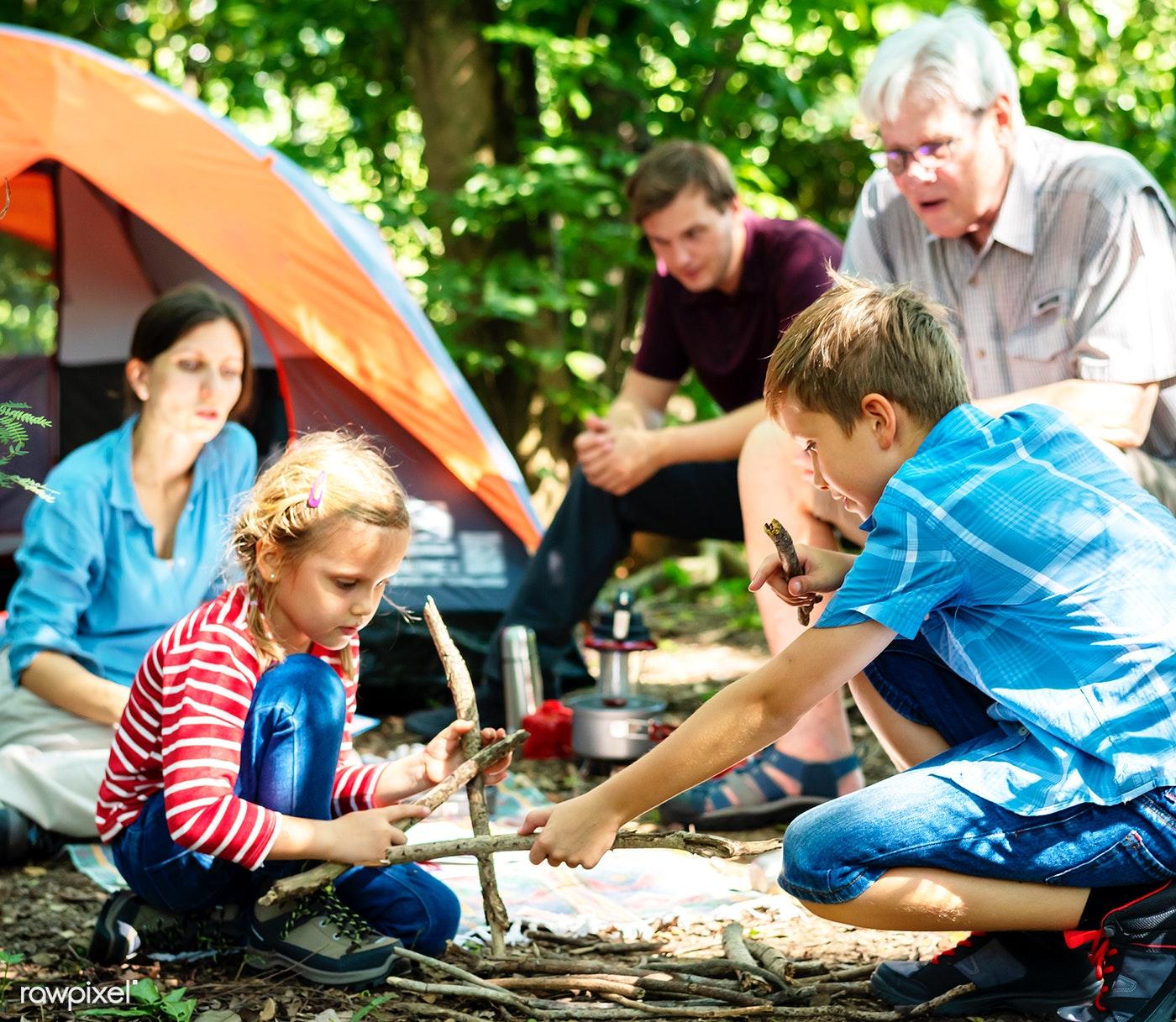 family_camping.jpg